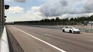 A herd of runaway Porsche 911 GT3 RS on Dijon-Prenois