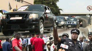 Eiii, ????CAR OWNERS & DEALERS STAGE DEMO AGAINST LUXURY VEHICLE