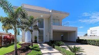 Sobrado dos sonhos no Condomínio Portal do Sol Green em Goiânia - Luxury Listings Brazil
