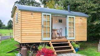 Absolutely Luxury Hideaway Huts Tiny House with Double Bed at The Fish