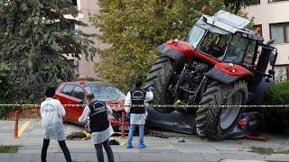 Ankara: Traktor überrollt Autos
