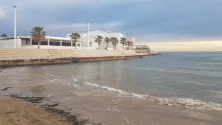 Luxury lifestyle: no es más rico el que mucho tiene sino el q poco necesita... la playa de mi pueblo