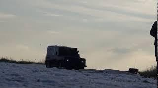 Land Rover Defender crashes on ice!
