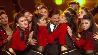 ????????Lux Golden award show hot???? with Shahrukh Khan