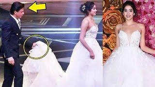 Shahrukh Khan Holds Jhanvi Kapoor Dress At LUX Golden Rose Awards 2018