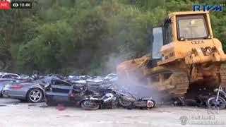 Philippines President holds public demolition of smuggled luxury cars   ABC News Australian Broadcas