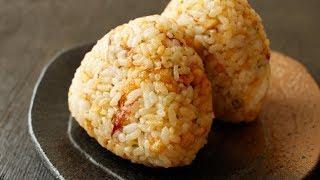 【That's Amazing!】Butter And Tempura Bits Rice Ball | Homemade Luxury