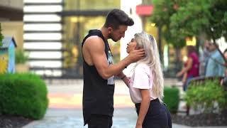 ????Pegadinha do Beijo ???? Beijos com Pegada ???? Beijando desconhecidas Super Sexy 2019 ???? BEST