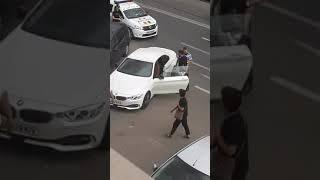 Un politist brailean l-a pus la respect pe un smecheras cu BMW